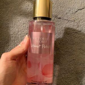 Victoria's Secret velvet petals mist